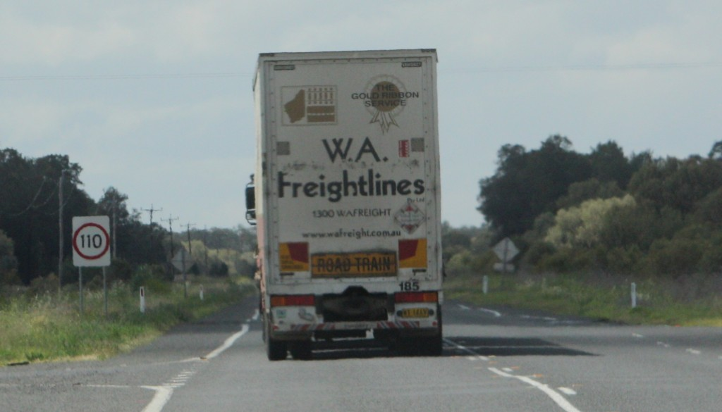 WA Freightlines road train IMG_5284