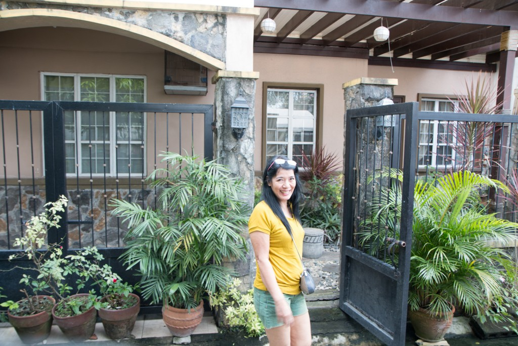 House hunting in the Philippines with Patty, Dianne and Iya