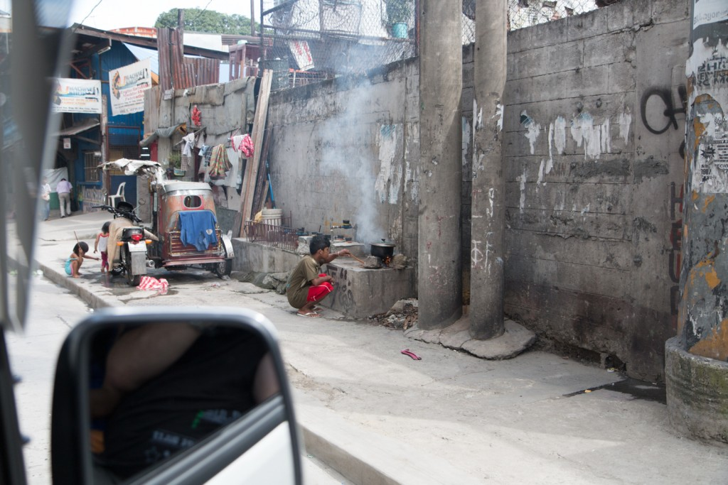 Life living on the streets in Manila, Philippines