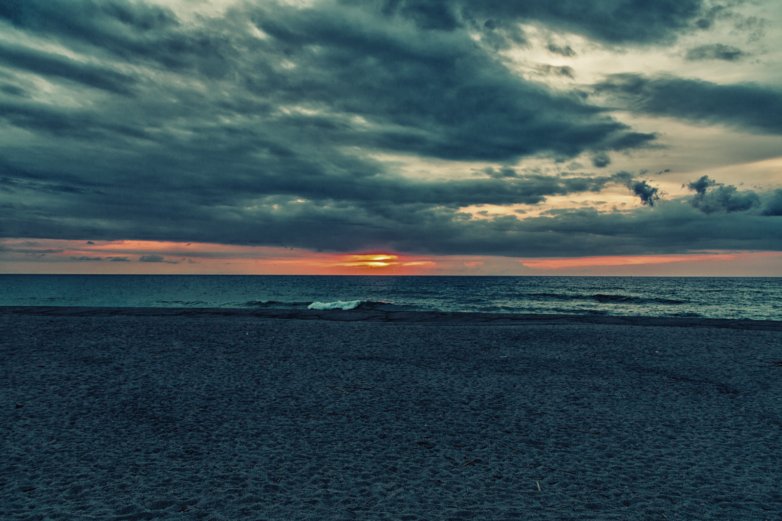 Sunset In Zambales Trevor S Travels